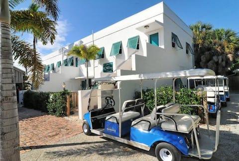 2 Bedroom Flat Historic Boca Grand: #4-Special Rt