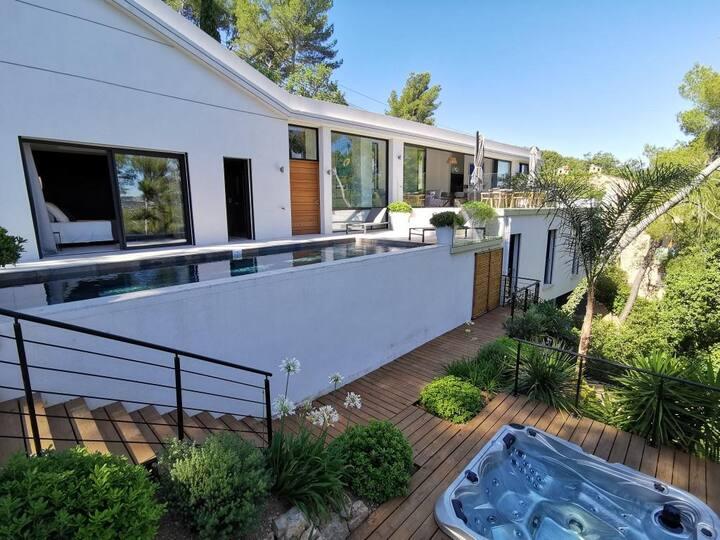 Villa JOLO - 220 m2 - piscine boulodrome spa