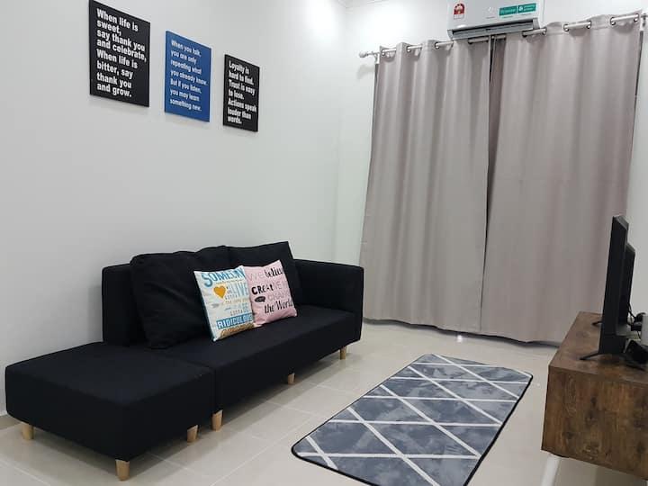 The Seroja Home @Kerteh Paka (4 A/C Rooms+ Unifi )