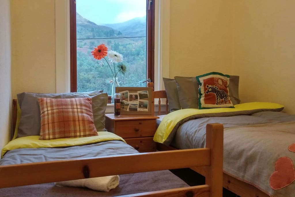 Great mountain views from our 2 bed room!