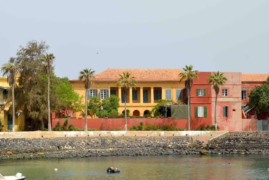 Chez Olivier dans le petit port de Gorée
