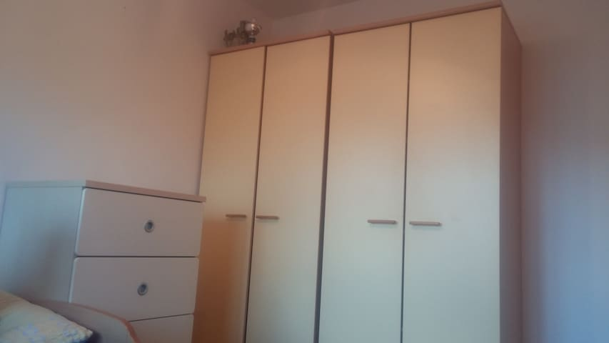 Tweepersoonskamer in Wateringen - Wateringen - House