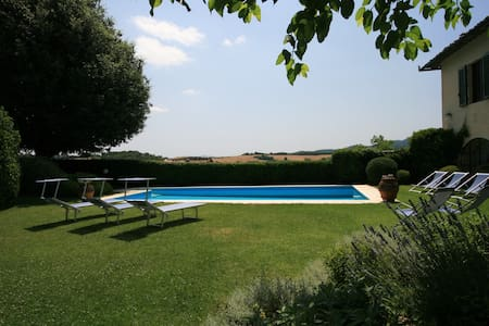 Villa Dora Elegant Village Villa with Private Pool - Montalcinello