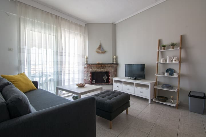 Small  comfortable apartment close to the beach