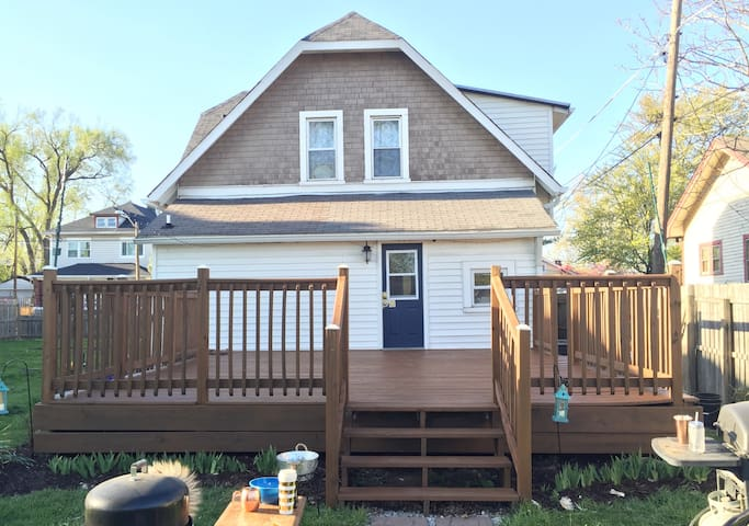 4BD/2BTH NEAR EVERYTHING DOWNTOWN-EASY IN/EASY OUT - Indianapolis - Dům