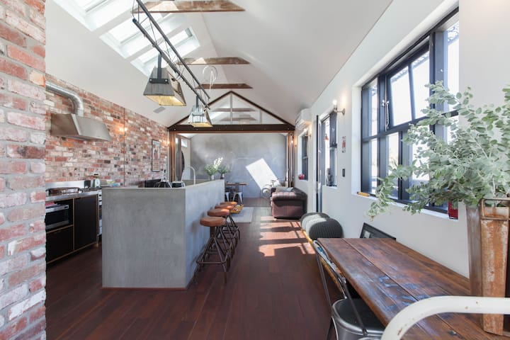 Warehouse Loft Style Apartment Mt Lawley