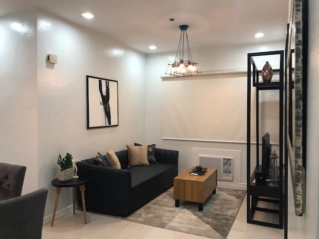 Cozy new and clean 1 bedroom condo unit in Makati