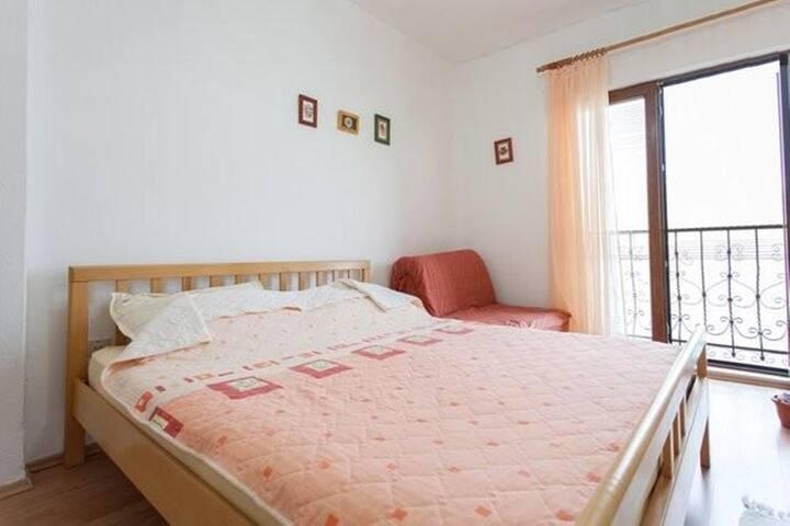 Cozy Double Room 203