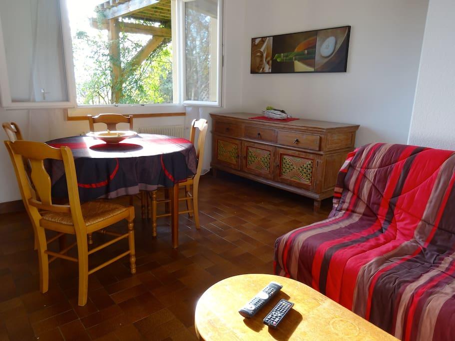 s jour d tente ou sportif a vous de choisir maisons louer montr jeau languedoc. Black Bedroom Furniture Sets. Home Design Ideas