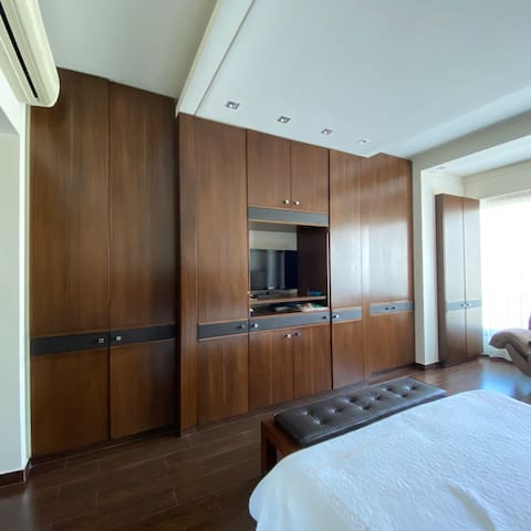 Two private rooms in a nice apartment in Adma