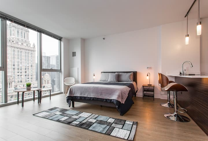 Superb Apartment @TheLoop steps to MilleniumPark✭