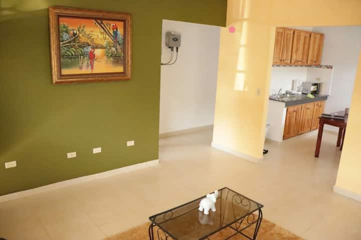 Cómoda habitación, casa en las afueras de Santiago