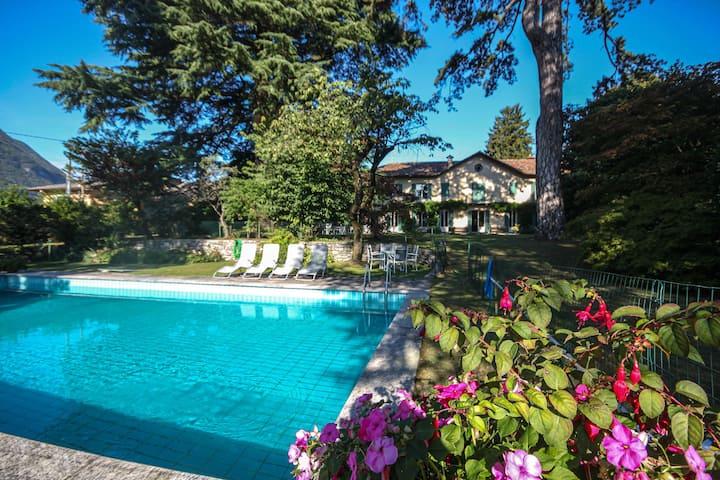Villa Raffo - sleeps 14