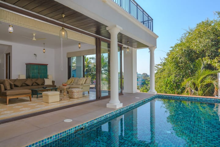 Luxurious 3BHK Villa with Care taker near Candolim