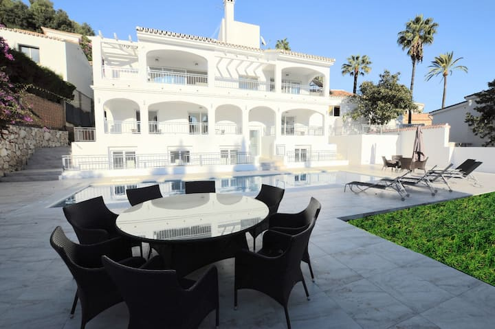 Stunning, Luxury Villa with pool  and sea views