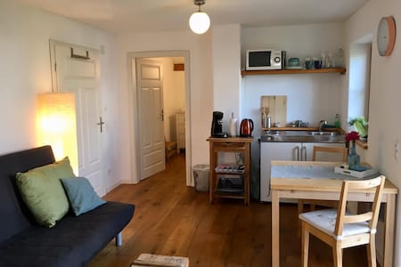 2 room apartment with garden in the village Waal