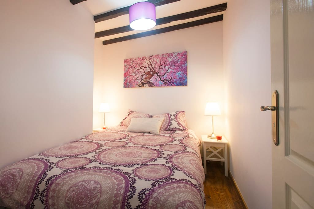 room whit double bed,  bed linen included