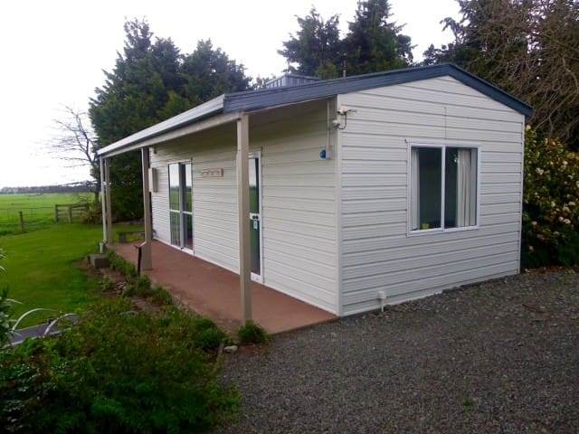 Two bedroom sleep out with Mt Hutt at doorstep!