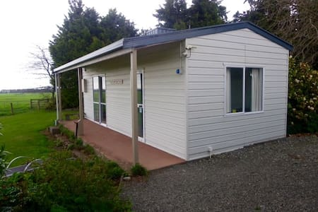 Two bedroom sleep out with a magnificent view! - Methven - Bed & Breakfast