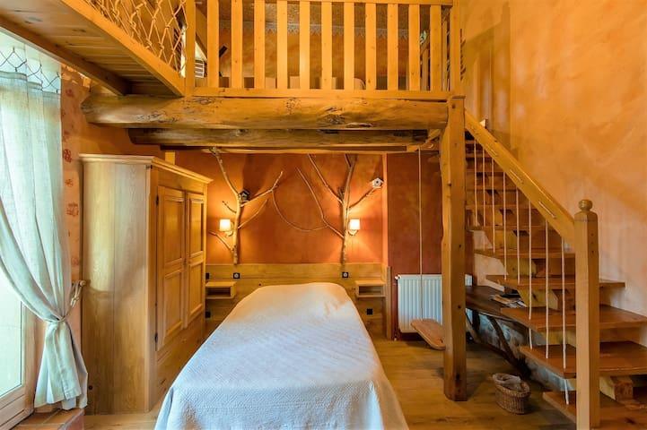 La chambre familiale de 5 personnes thème cabane des champs