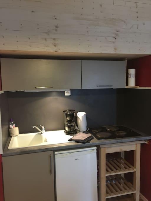 studio meubl 3 km du centre ville appartements louer metz. Black Bedroom Furniture Sets. Home Design Ideas