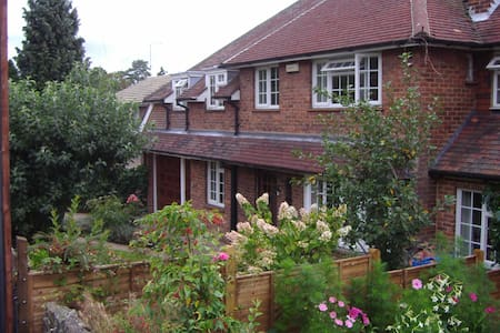Bed and breakfast in quiet part of Sevenoaks