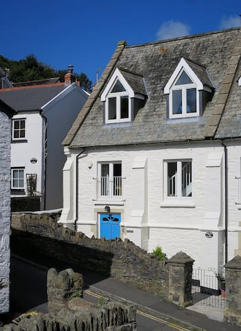 Spacious house in the heart of Lynton.