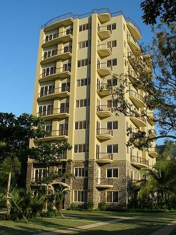 Great Condo Next Door to Los Suenos - Low Price - Herradura - Condomínio