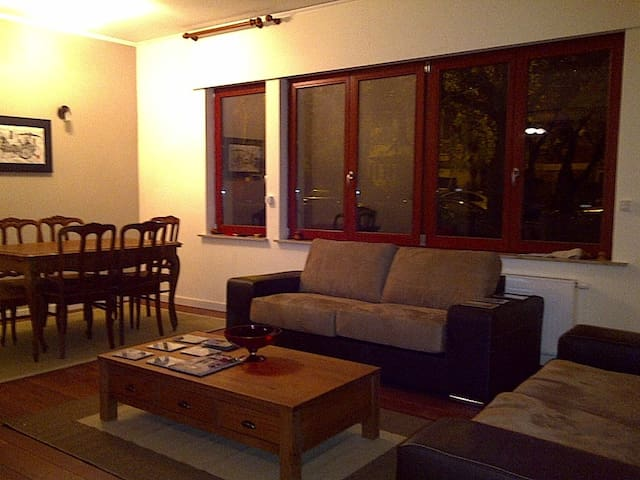 2 bedroom  apt (3 adults) green part of brussels