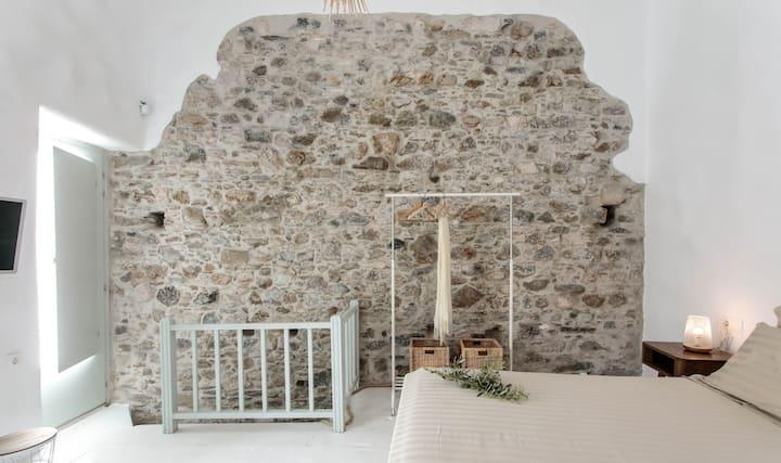 Limestone @ Old Market (Chora-Naxos Town)