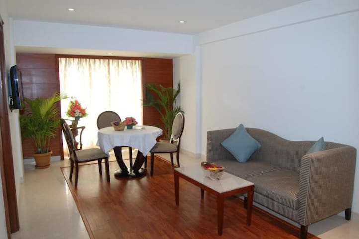 Suite Room Near Swastik Circle