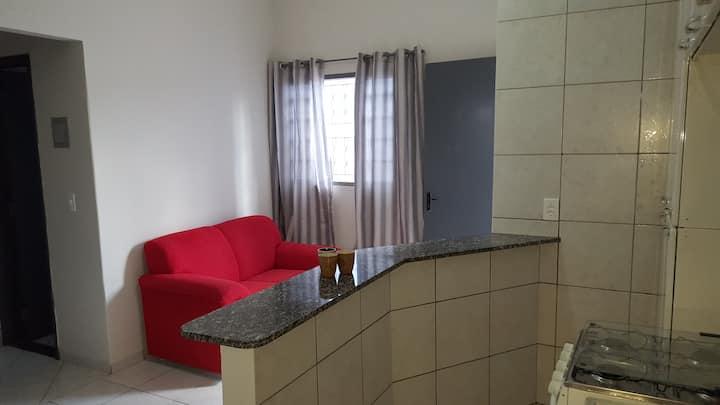 Casa 3 em Anápolis com garagem e ar condicionado.