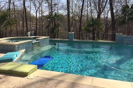 Private Lakeside Retreat w/Pool/Spa - Gainesville
