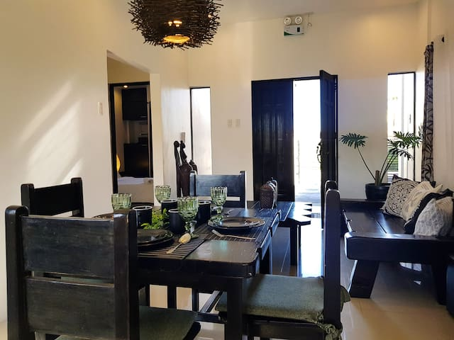 Pet-friendly Tagaytay Summer House