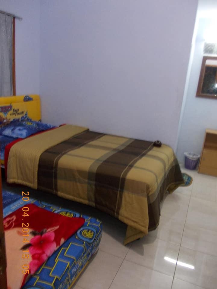 CEMARA Homestay 1  (Kamar pribadi)