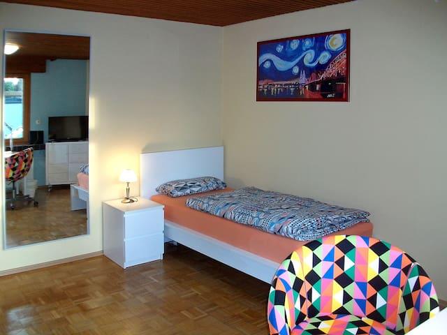 Gästezimmer 5, Guest Room 5 - Køln - Hus