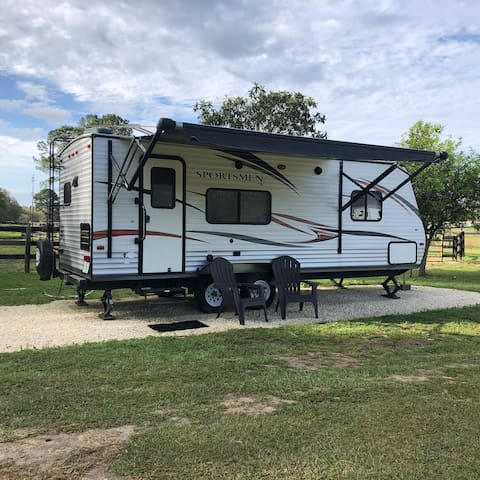NW Ocala RV Rental Close to Horse Events