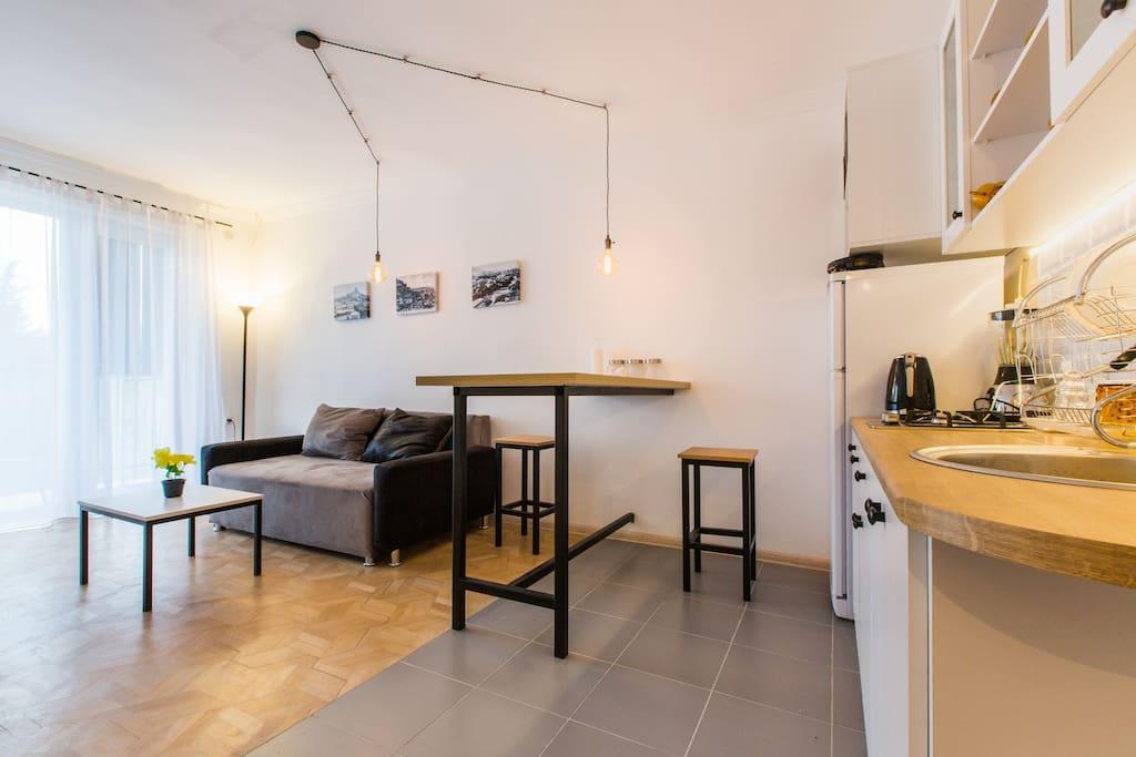 bel appartement de style industriel appartements louer tbilisi tbilisi g orgie. Black Bedroom Furniture Sets. Home Design Ideas