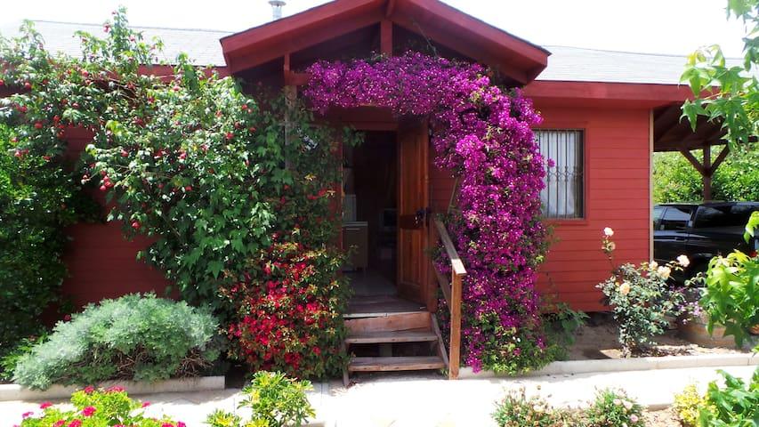Cabaña 5 personas entera piscina cancha y jardín - Limache - Nature lodge