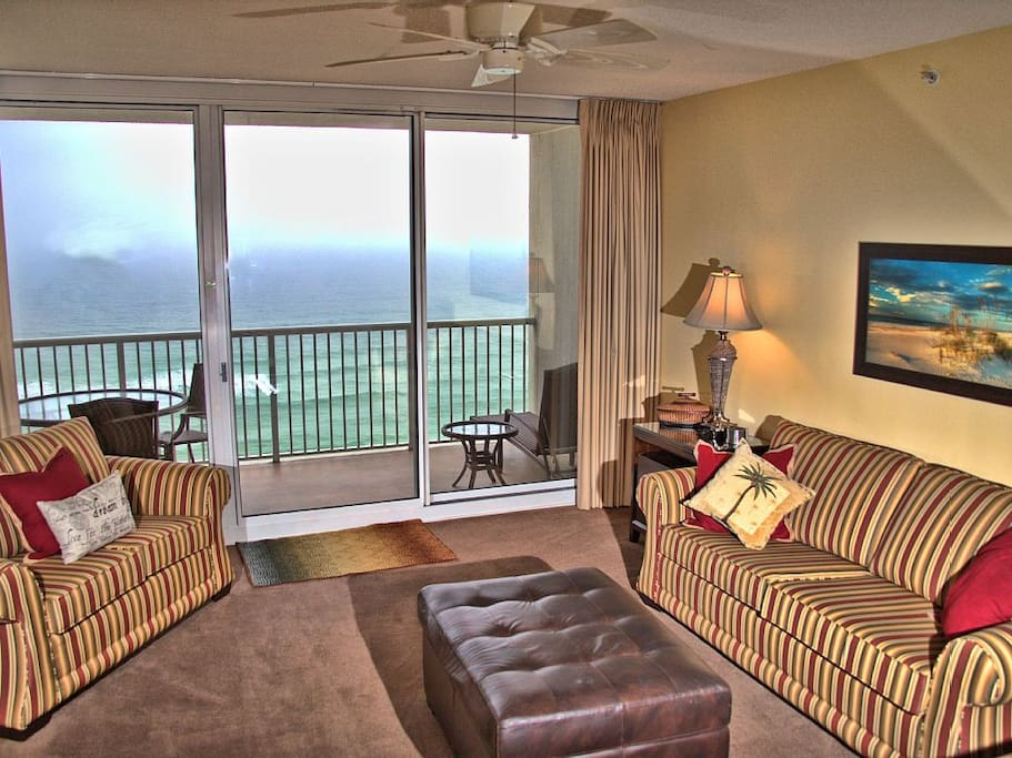 BEAUTIFUL VIEW OF THE GULF FROM THE LIVING ROOM