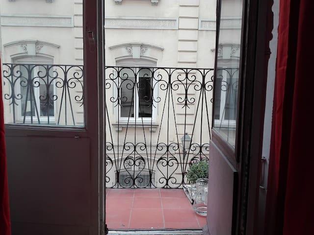 Cozy room with balcony! - Madrid - Apartemen