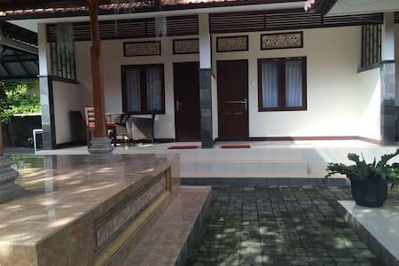 A cozy spacious place in Sanur - Denpasar
