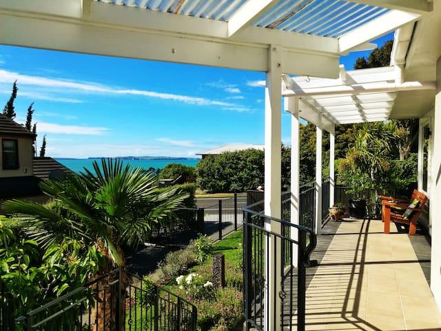 The Seaview Mansion-Spacious, Stunning Views