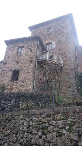gîte au coeur du village - Antraigues-sur-Volane - Apartemen