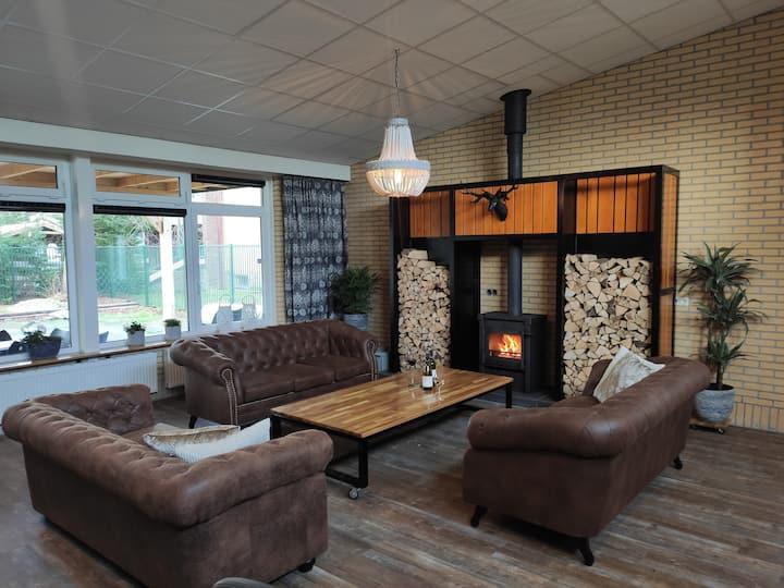 Uniek luxe familiehuis met sporthal bij bos & meer