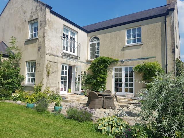 Ballycurran House - Double Ensuite Room - Lisburn - บ้าน