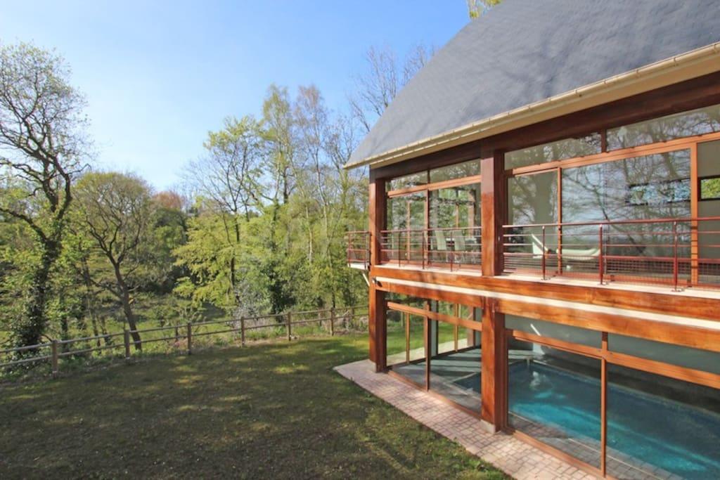 villa proche deauville trouville avec piscine maisons louer touques normandie france. Black Bedroom Furniture Sets. Home Design Ideas