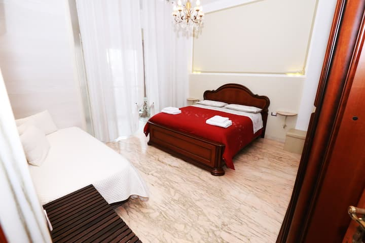 APULIA 70 - CLASSIC SUITE wifi, kitchen, air cond.