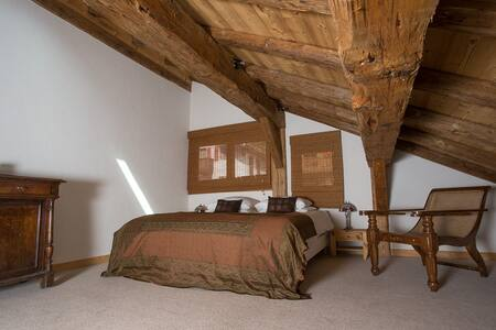 Family room (sleeps 4 ) - La Ferme du Chateau - La Chapelle-d'Abondance