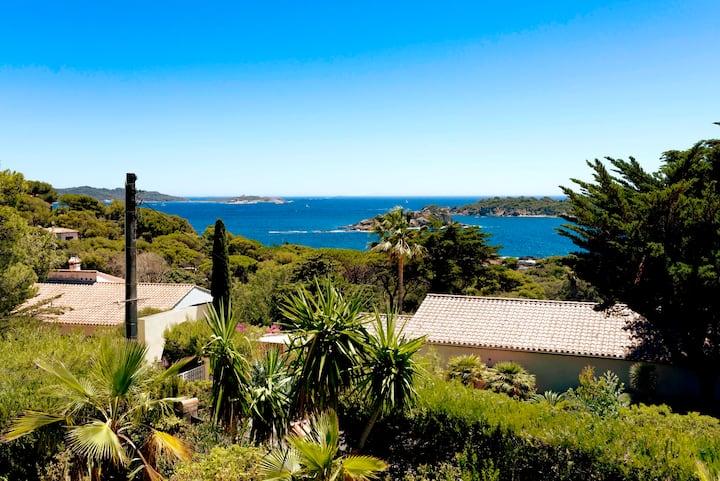 Sea view villa in Giens
